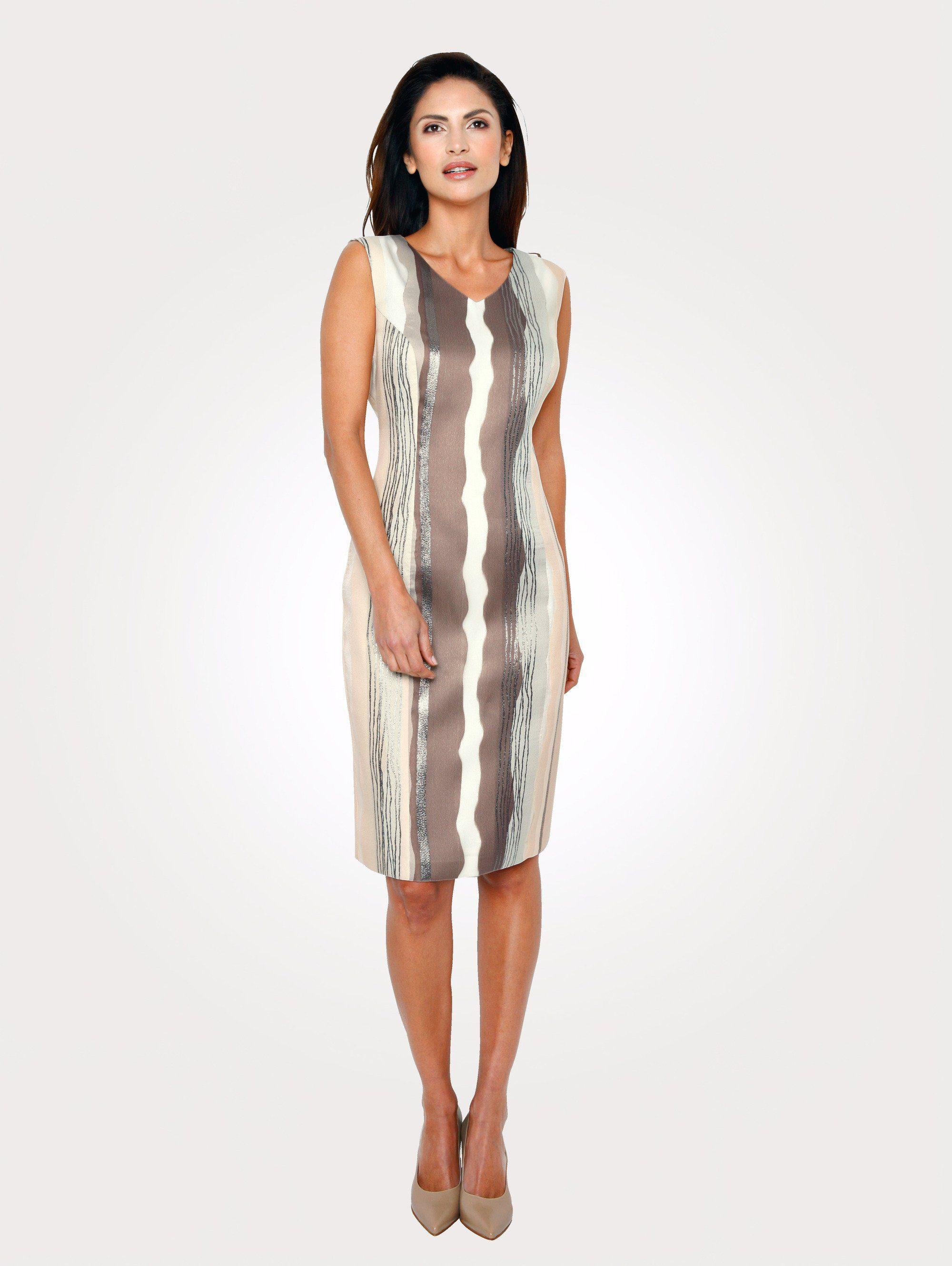 Mona Kleid mit Glanzgarn-Effekten