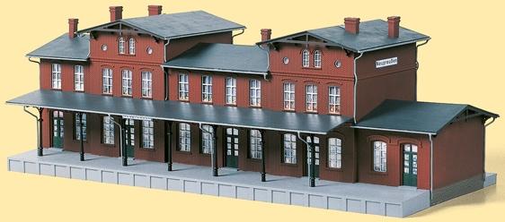 Auhagen Modelleisenbahn-Gebäude Bahnhof Neupreußen, Made in Germany rot Kinder Schienen Zubehör Modelleisenbahnen Autos, Eisenbahn Modellbau