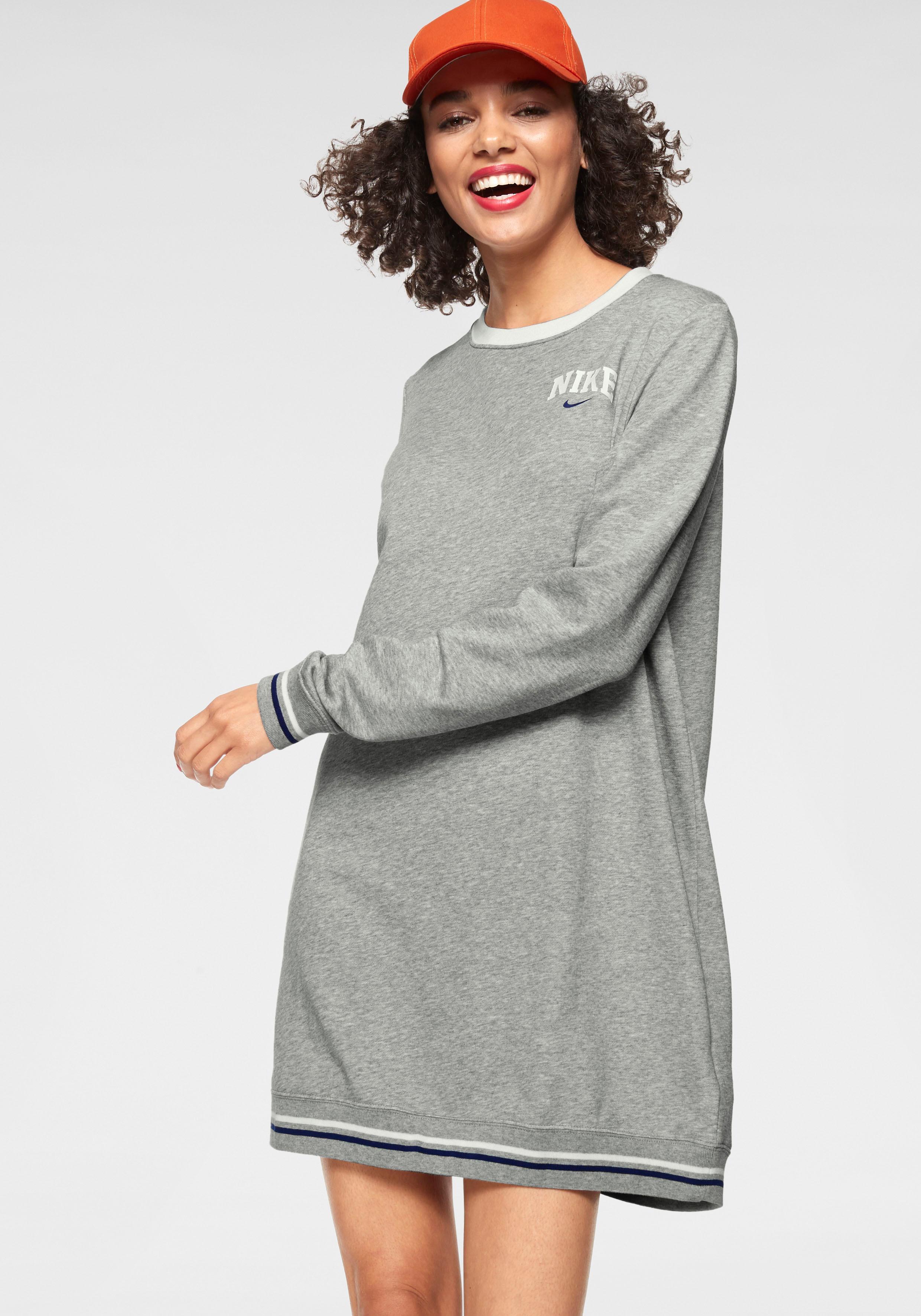 Nike Sportswear Sweatkleid W NSW DRESS LS FLC VRSTY | Sportbekleidung > Sportkleider | Nike Sportswear