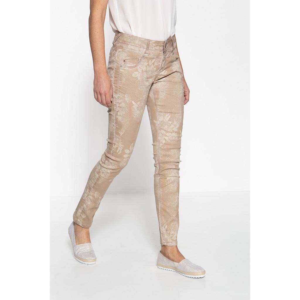 ATT Jeans Slim-fit-Jeans »Zoe«, mit Oilwash-Effekt und floralem Muster