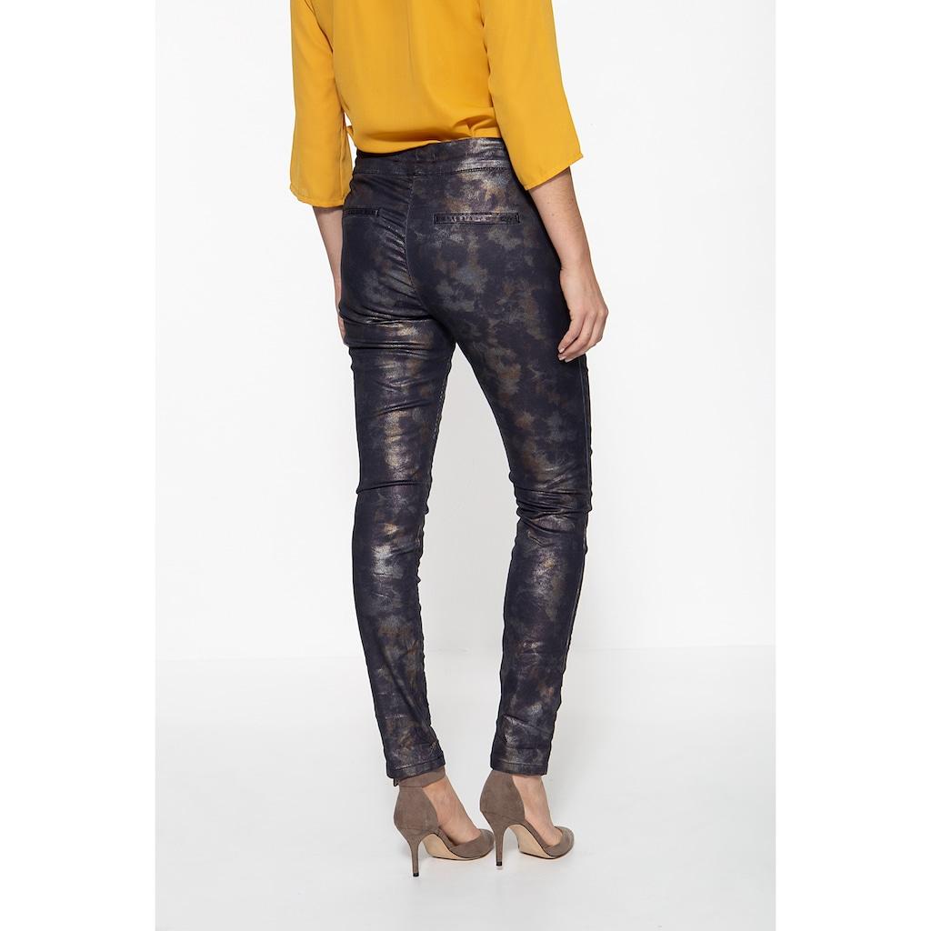 ATT Jeans Bundfaltenhose »Celia«, im Comfort Fit mit Glanzeffekt