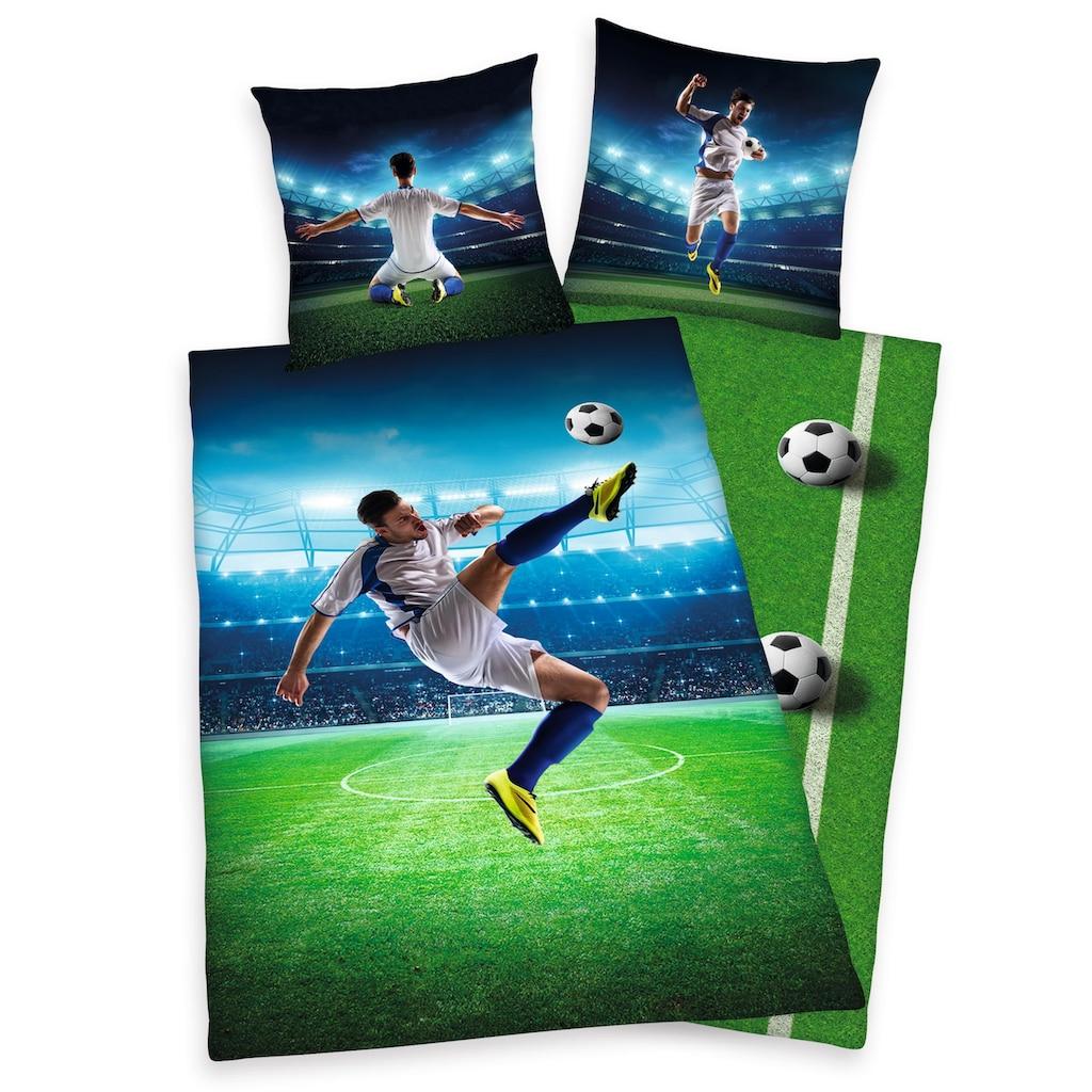 Herding Young Collection Kinderbettwäsche »Fußballschuss«, mit einem Fußballspieler