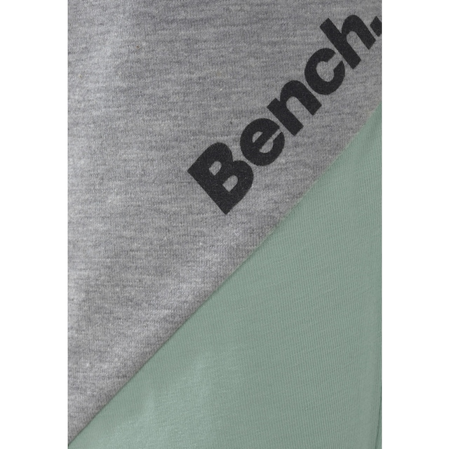 Bench. Leggings