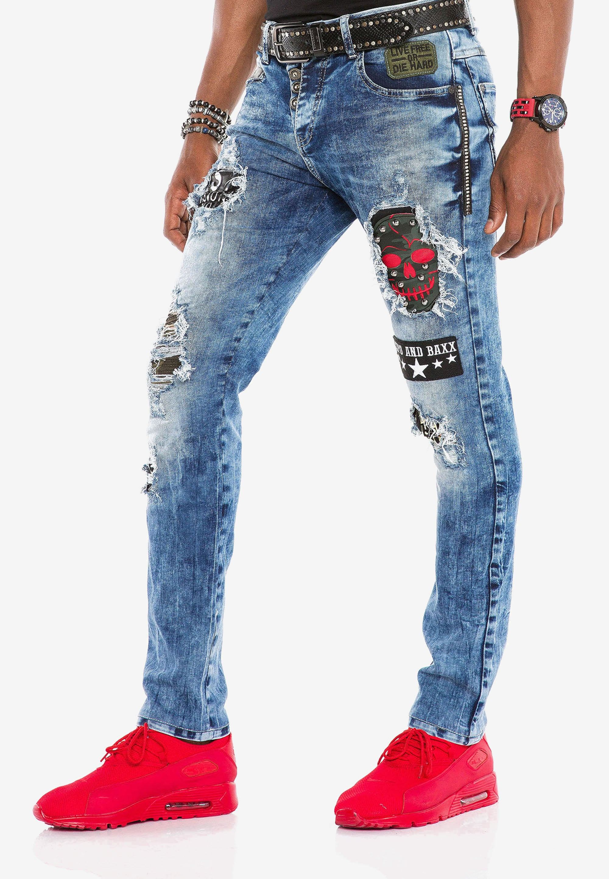 cipo & baxx -  Bequeme Jeans, mit Aufnäher in Slim Fit