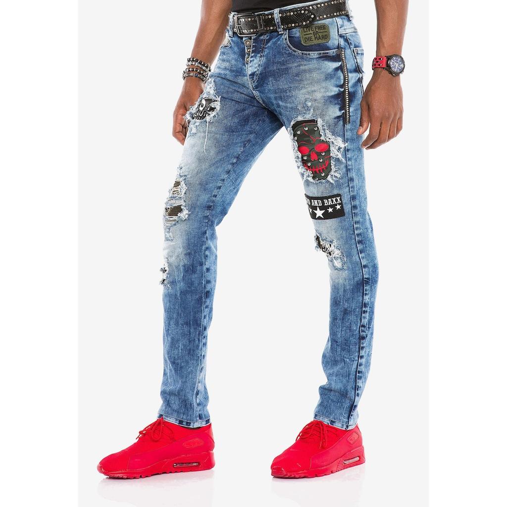 Cipo & Baxx Bequeme Jeans, mit Aufnäher in Slim Fit