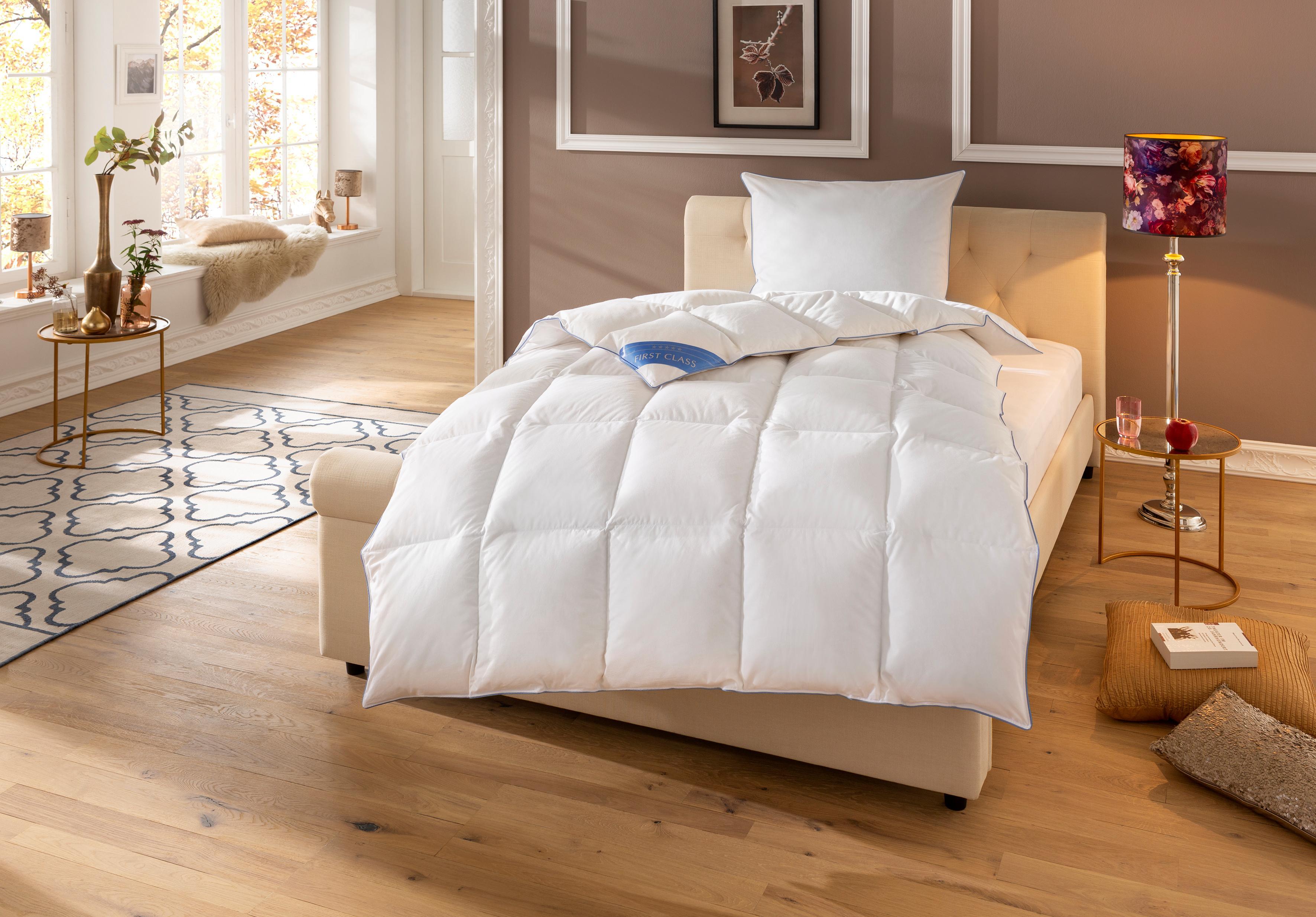 Daunenbettdecke Lina Hanse by RIBECO warm Füllung: 90% Daunen & 10% Federn Bezug: 100% Baumwolle