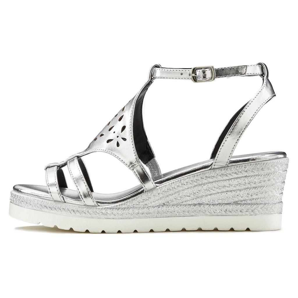 LASCANA Sandalette, mit Keilabsatz und modischem Cut-Out Muster