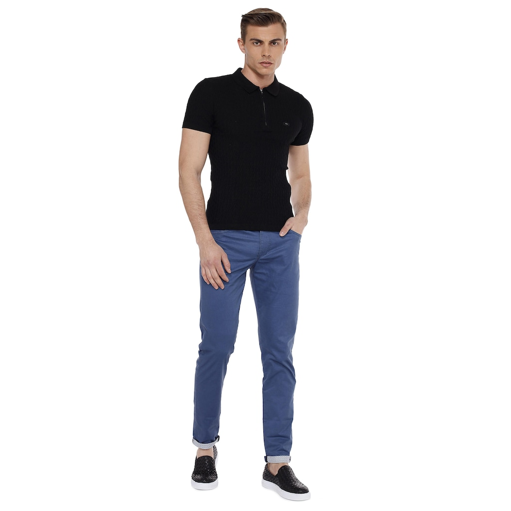 Cipo & Baxx Stoffhose, im bequemen Casual-Look in Straight Fit