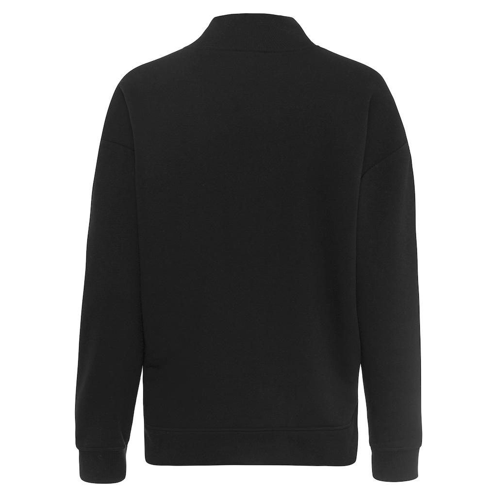 Bench. Sweatshirt, mit Seitenschlitzen