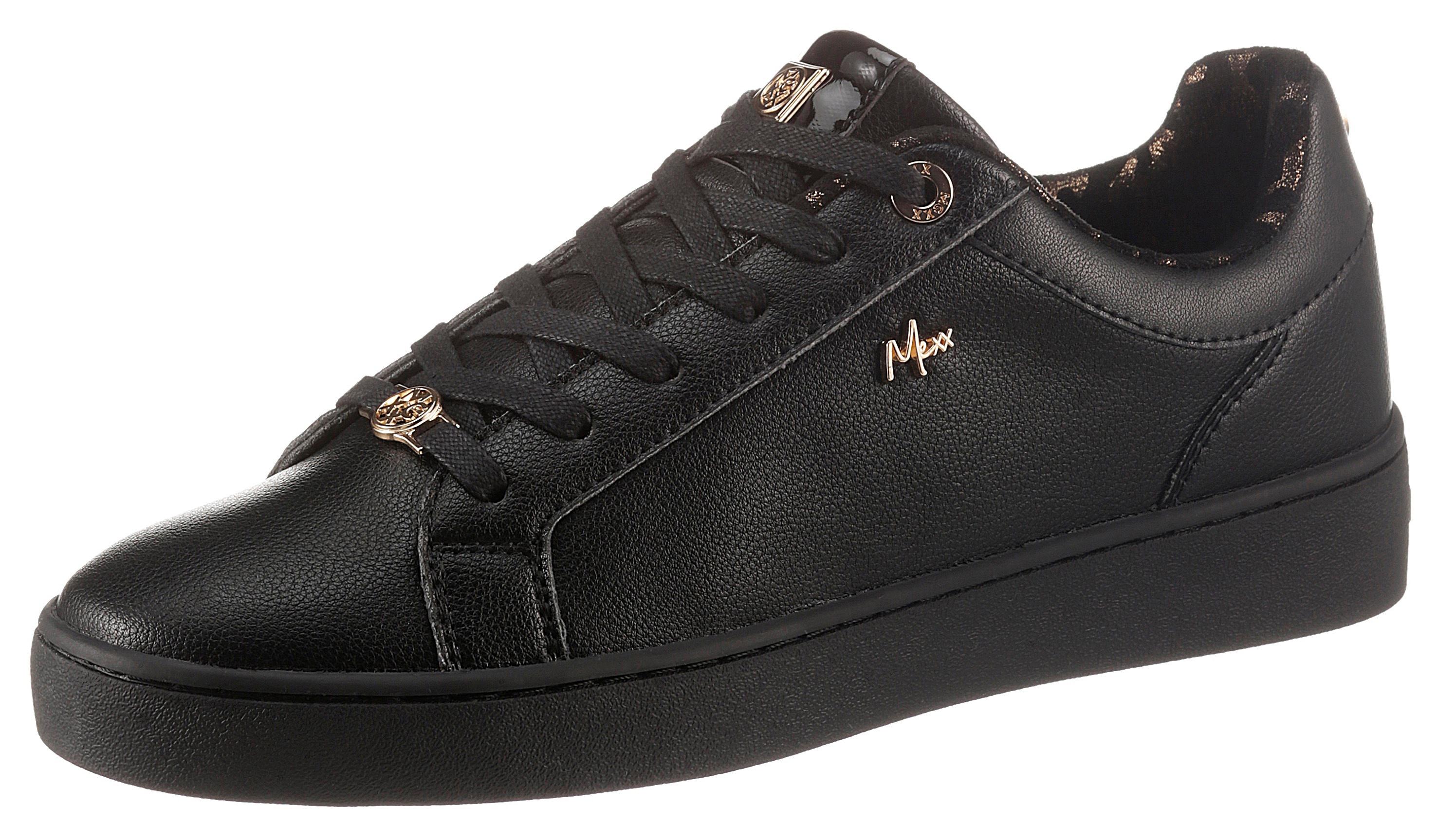 mexx -  Sneaker HEMMY, mit schönen Charms verziert