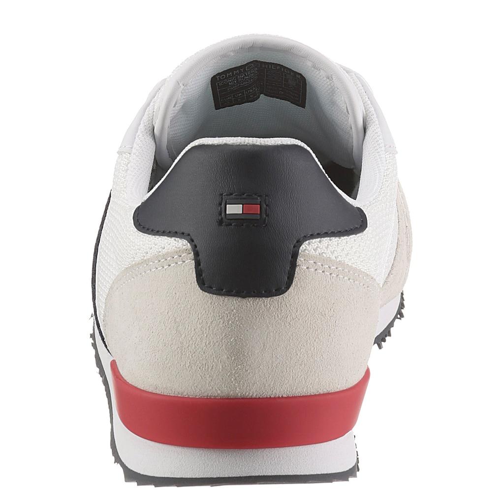 TOMMY HILFIGER Sneaker »ICONIC MATERIAL MIX RUNNER«, mit seitlichen Streifen