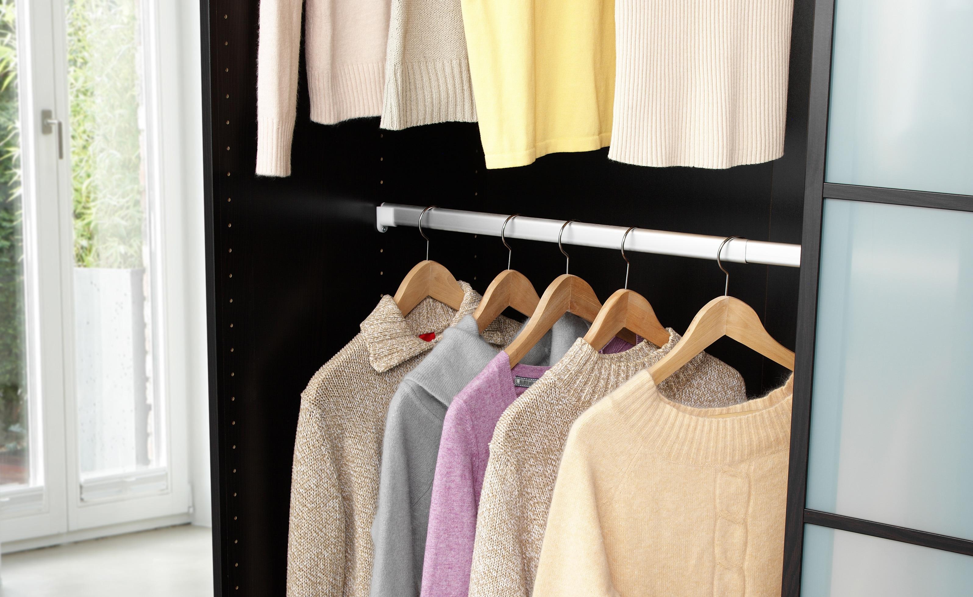 Ruco Kleiderstange, verstellbar in der Breite von 58-100cm silberfarben Zubehör für Kleiderschränke Möbel Kleiderstange