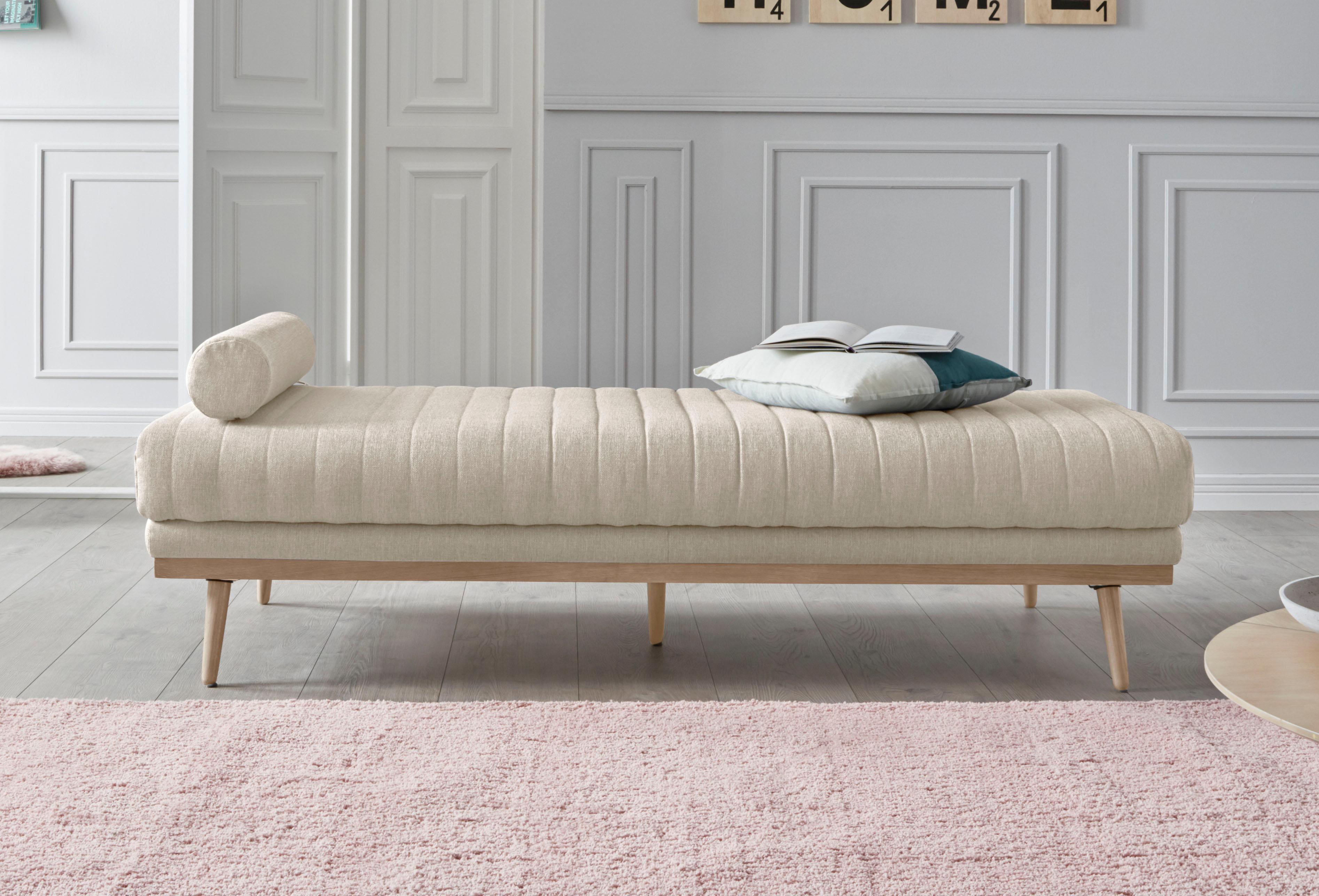 andas Relaxliege Patch mit feiner Steppung und Nackenrolle Design by Morten Georgsen
