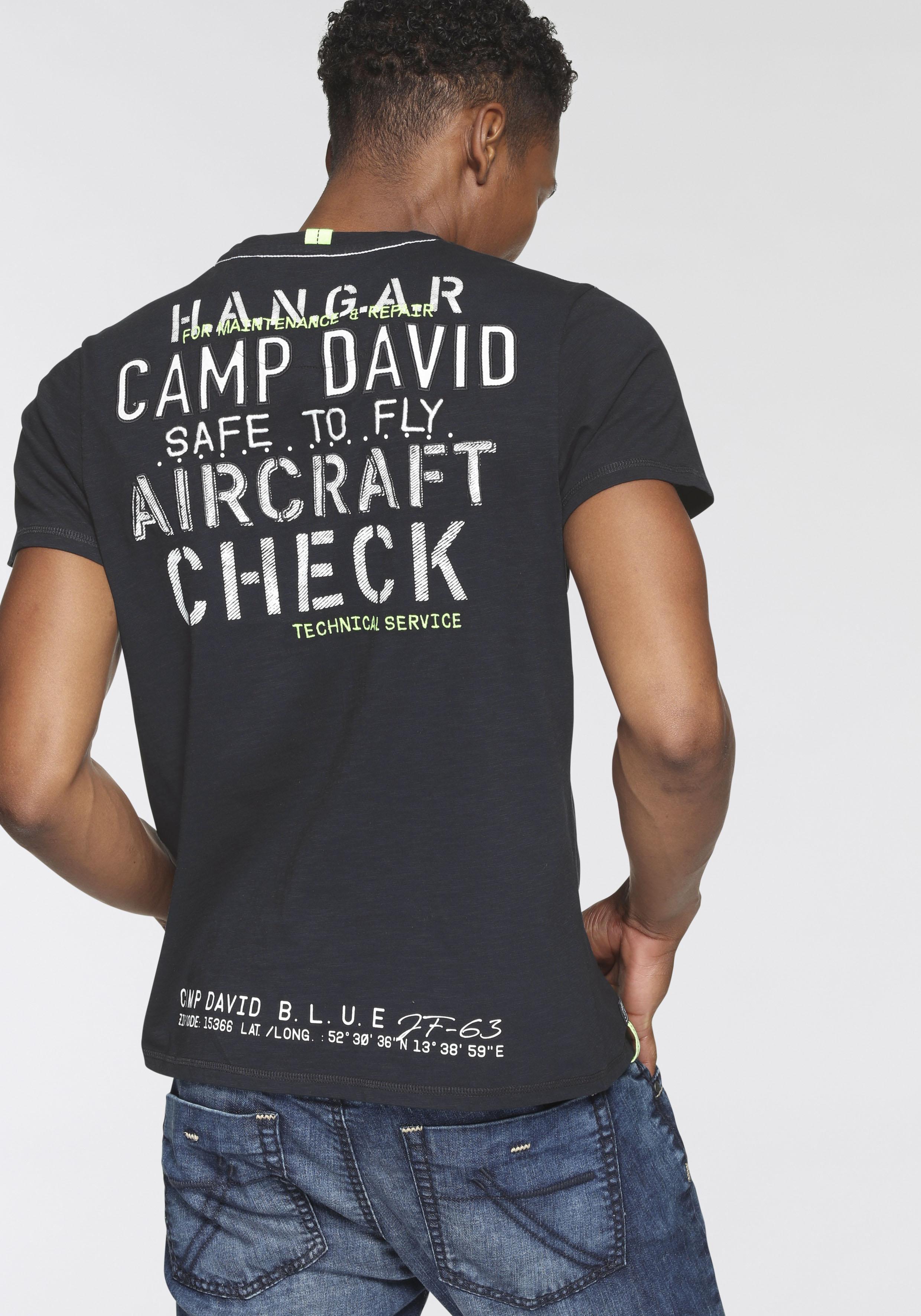 camp david -  T-Shirt, mit V-Ausschnitt