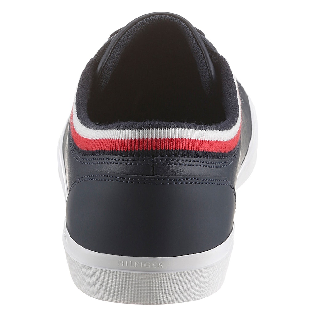 TOMMY HILFIGER Sneaker »ESSENTIAL LEATHER VULC«, mit gestreiftem Textilrand