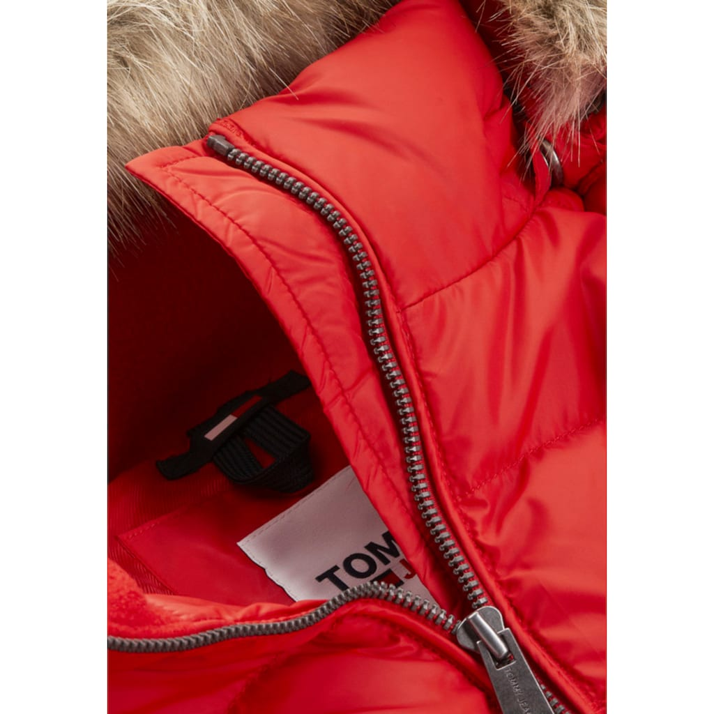 Tommy Jeans Daunenjacke »TJW BASIC HOODED DOWN JACKET«, mit Fellimitat an der Kapuze & Tommy Jeans Logo-Flag