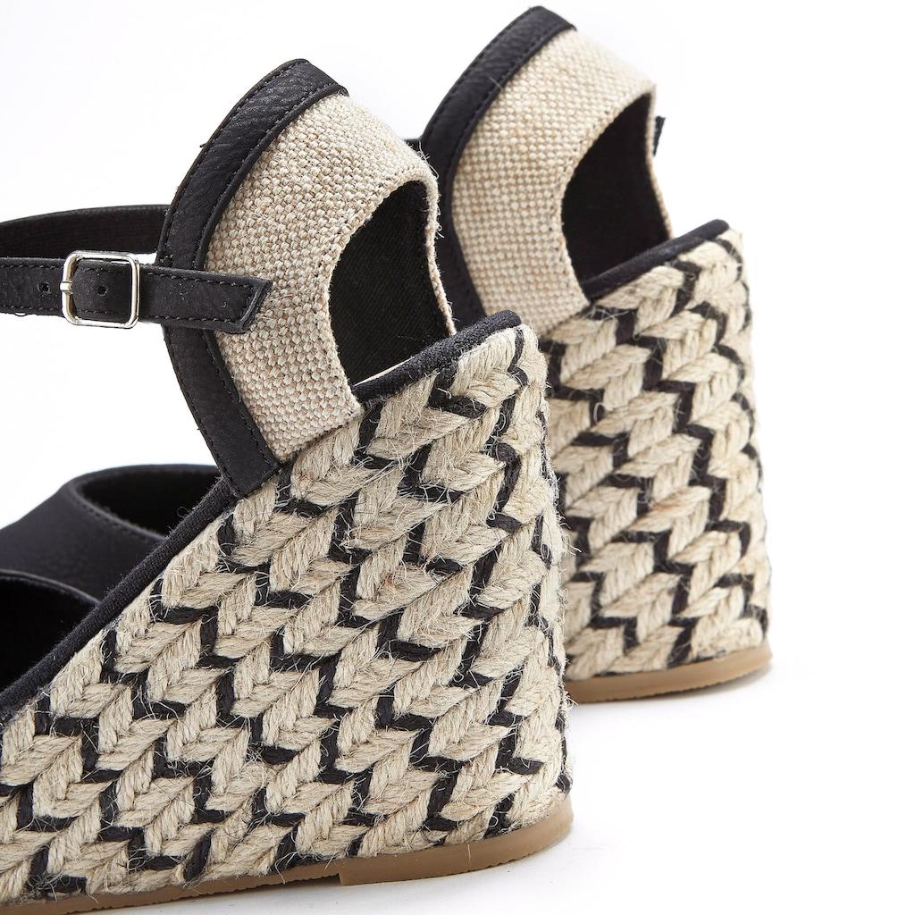 LASCANA High-Heel-Sandalette, mit Keilabsatz im Ethno-Look
