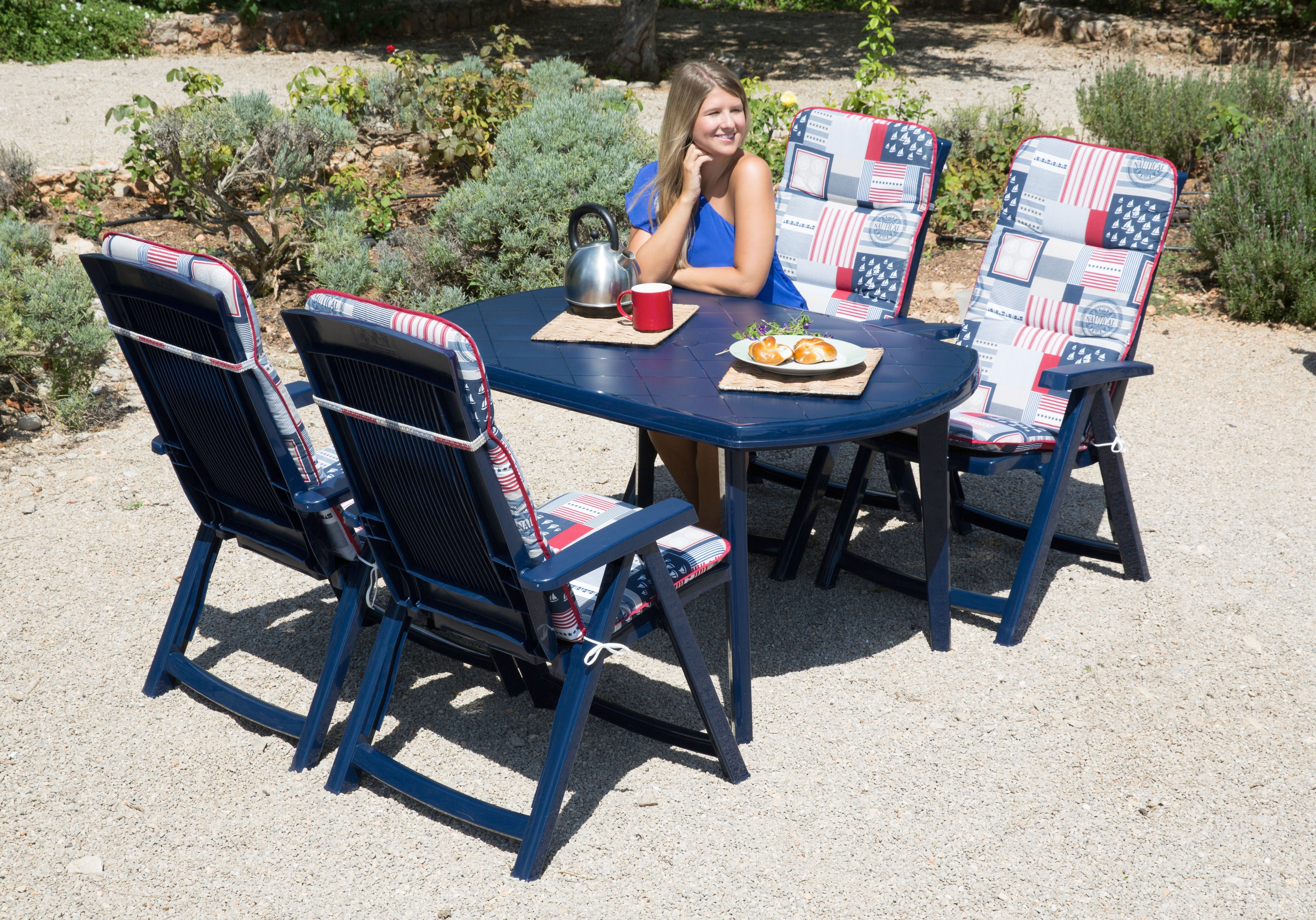 Best 9-tlg Gartenmöbelset Elise 4 Klappsessel Tisch 137x90 cm Kunststoff blau