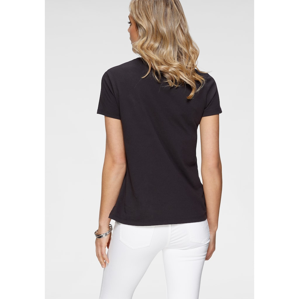 Levi's® Rundhalsshirt »The Perfect Tee«, mit Marken-Schriftzug auf der Brust