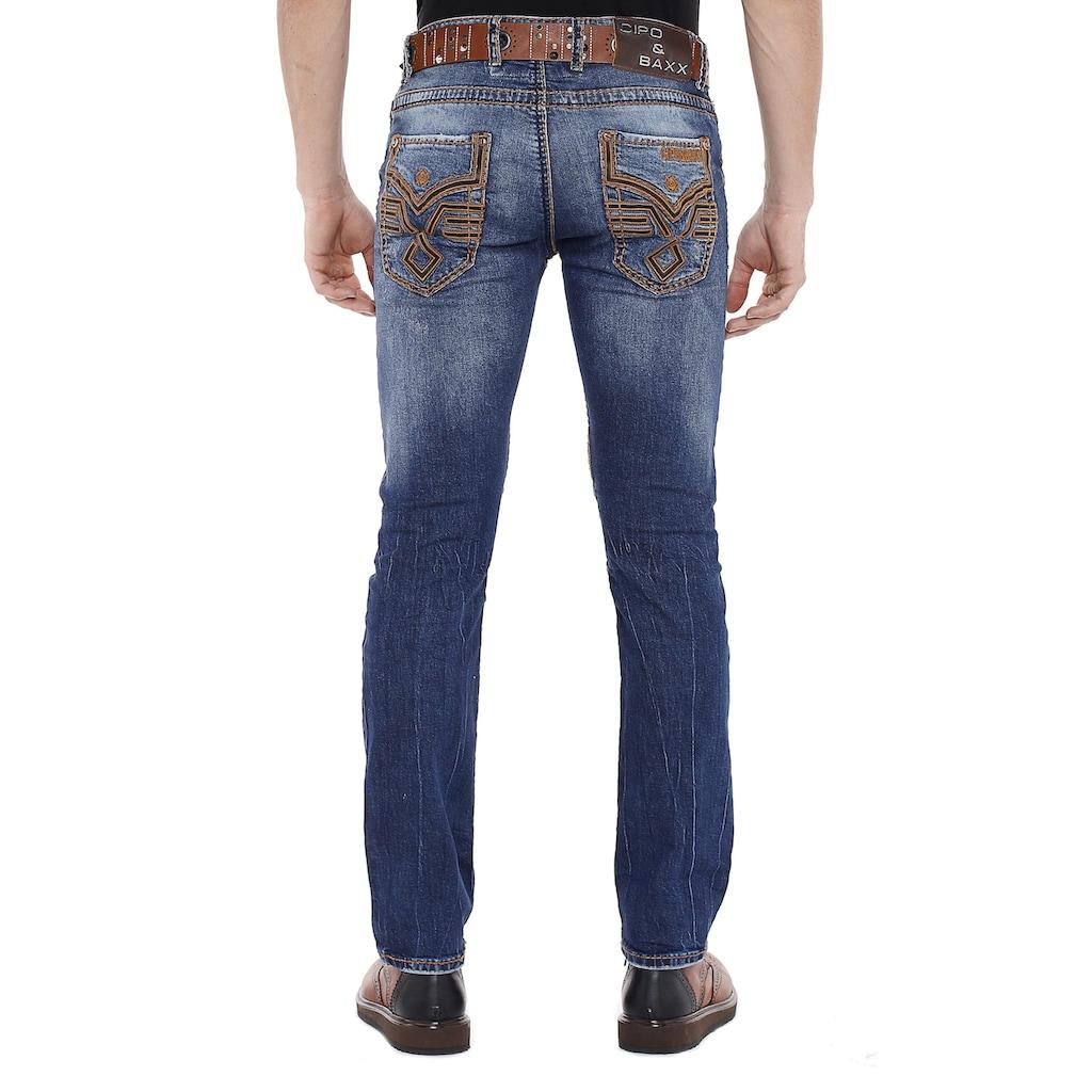Cipo & Baxx Slim-fit-Jeans, mit bestickten Rückentaschen in Straight Fit