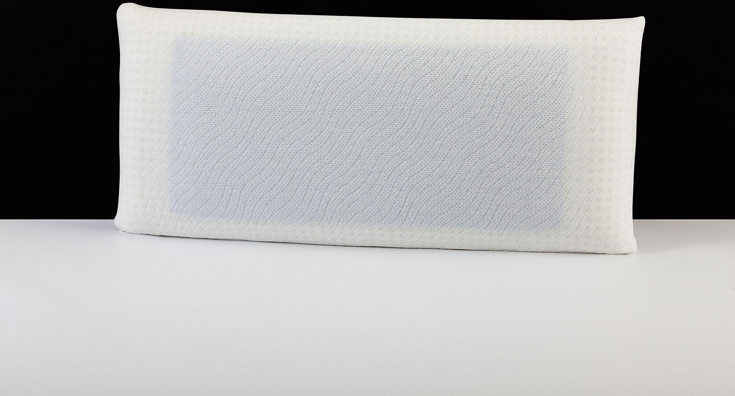 Nackenstützkissen ´´Memory Dream´´ Blue Style Airline DI QUATTRO Füllung: Viscoschaum mit farbiger Viscoeinlage und Luftkanälen Bezug: 100% Polyester