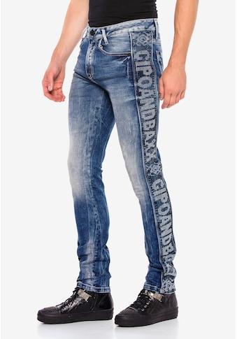 Cipo & Baxx Bequeme Jeans, mit seitlichem Markenschriftzug kaufen