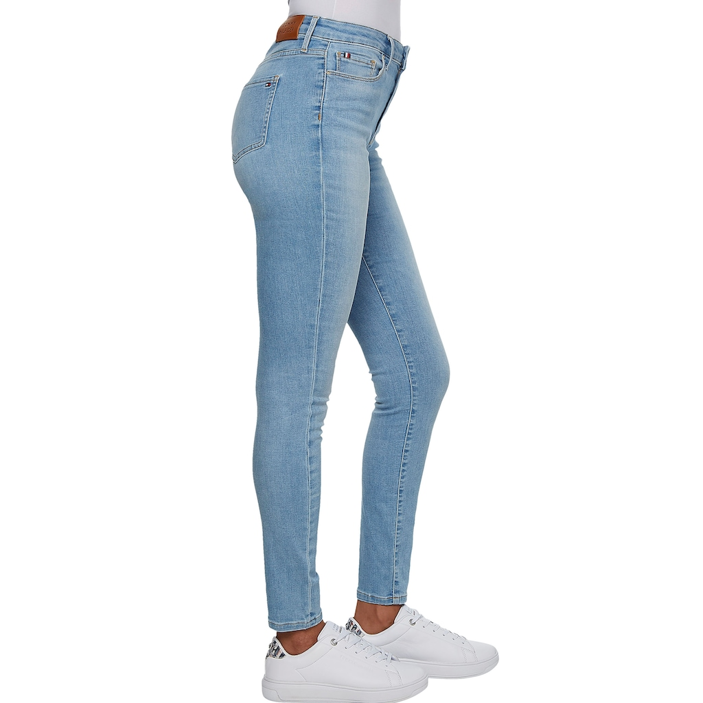 Tommy Hilfiger Skinny-fit-Jeans »TH FLEX HARLEM U SKINNY HW DIA«, mit Tommy Hilfiger Logo-Badge