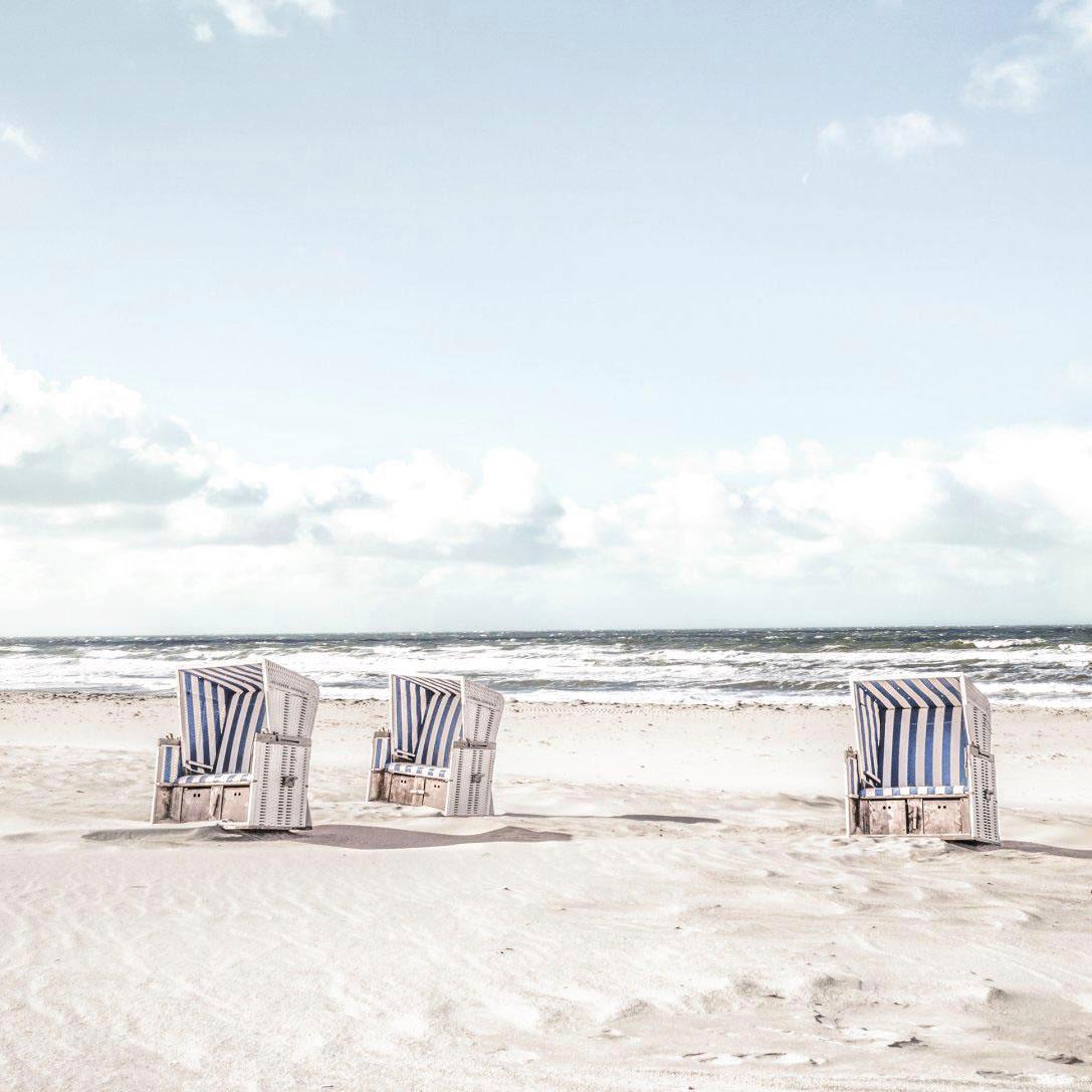 Glasbild Tag im Strandkorb, weiß