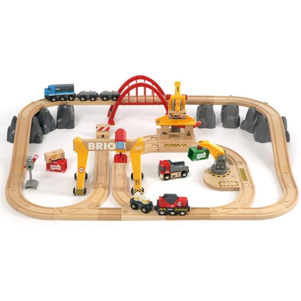 BRIO® Spielzeug-Eisenbahn »BRIO® WORLD Frachten Set Deluxe«, FSC®-Holz aus gewissenhaft bewirtschafteten Wäldern