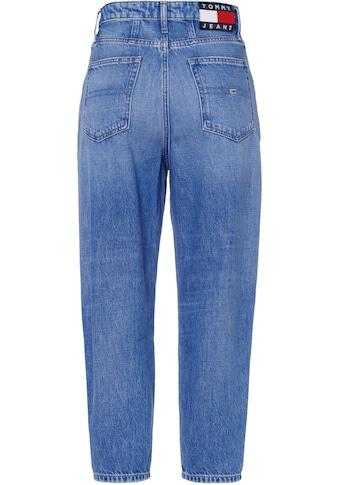 Tommy Jeans Mom-Jeans »MOM JEAN UHR TPRD AE632 MBC«, mit modischer Taschenform & Tommy... kaufen