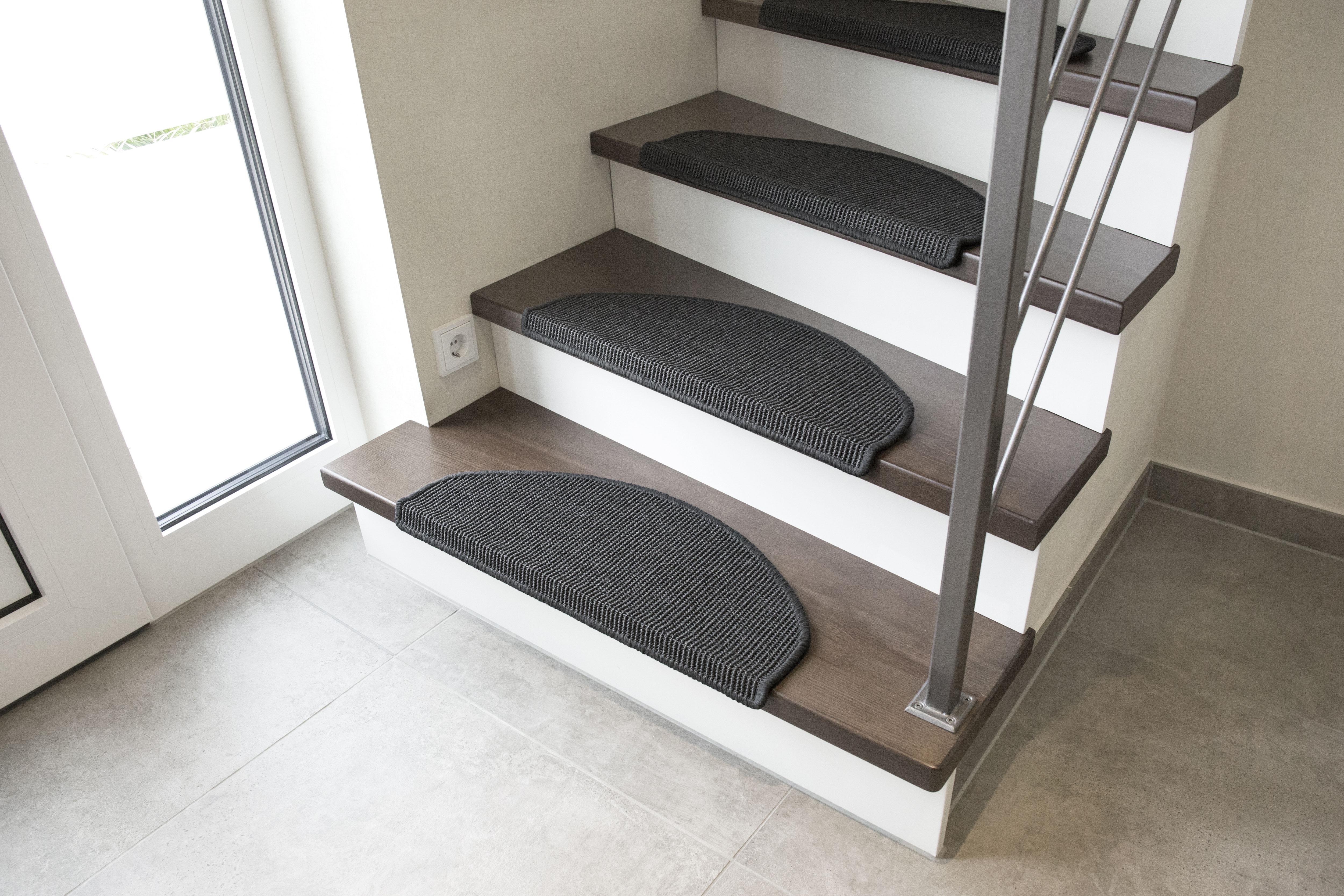 Andiamo Stufenmatte Odense, halbrund, 9 mm Höhe, 100% Sisal, erhältlich als Set mit 2 Stück oder 15 grau Stufenmatten Teppiche