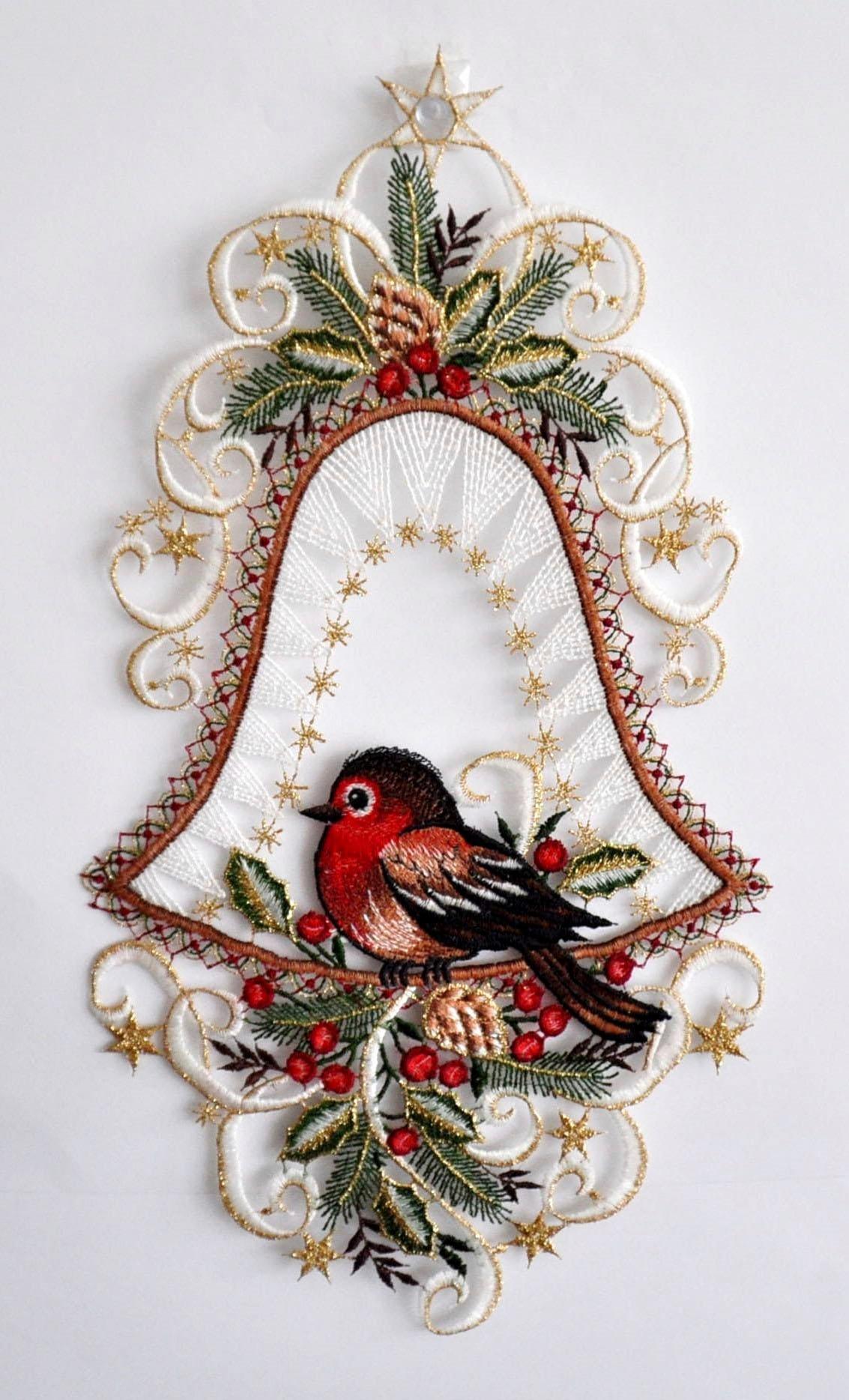 Fensterbild, Stickereien Plauen, »Vogel in Glocke«