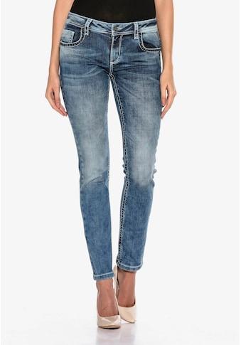 Cipo & Baxx Slim-fit-Jeans, mit bestickten Gesäßtaschen in Skinny Fİt kaufen