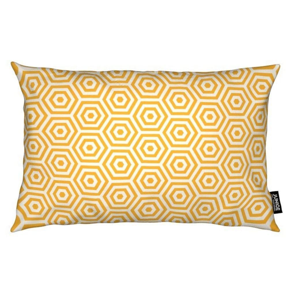 Juniqe Dekokissen »Yellow Beehive«, Weiches, allergikerfreundliches Material