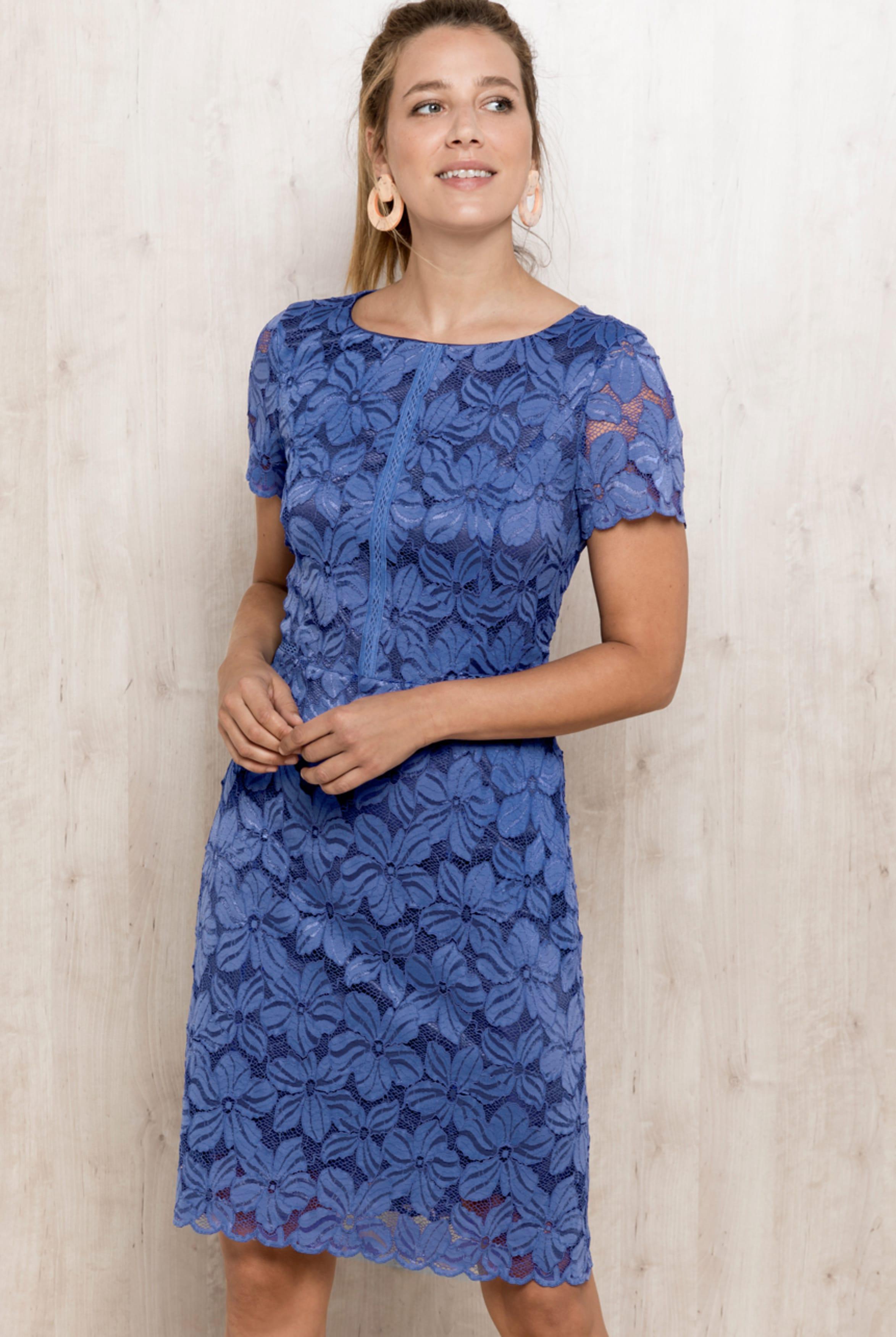 bianca -  Spitzenkleid DIVANA, im leicht figurbetonten Schnitt in french blue