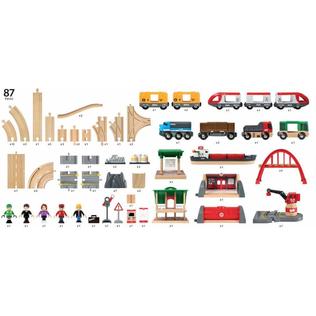 BRIO® Spielzeug-Eisenbahn »BRIO® WORLD Straßen & Schienen Bahn Set Deluxe«, FSC®-Holz aus gewissenhaft bewirtschafteten Wäldern