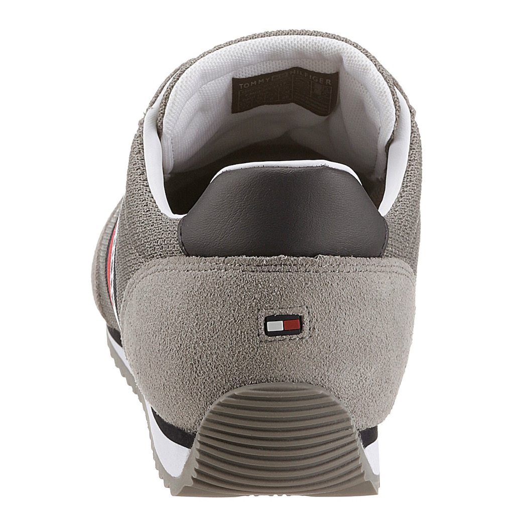 Tommy Hilfiger Sneaker »ESSENTIAL MESH RUNNER«, mit seitlichen Streifen