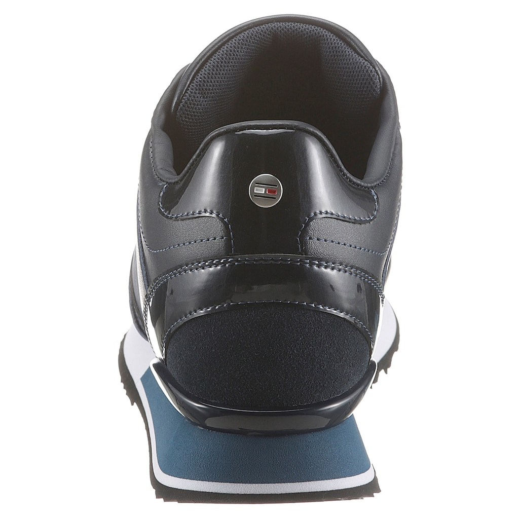 TOMMY HILFIGER Sneaker »DRESSY WEDGE MAT MIX SNEAKER«, im Materialmix