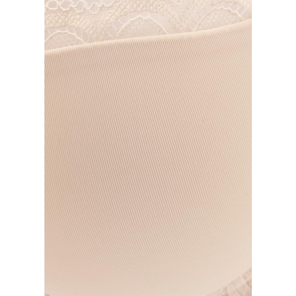 LASCANA Schalen-BH »Evita«, mit feiner Spitzenborte