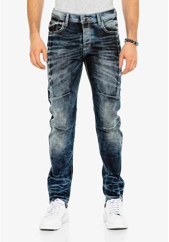 Cipo & Baxx Bequeme Jeans »CD286«, mit cooler Waschung und Ziernähten kaufen