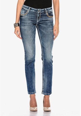 Cipo & Baxx Bequeme Jeans, mit Stickerei auf den Gesäßtaschen in Straight-Fit kaufen