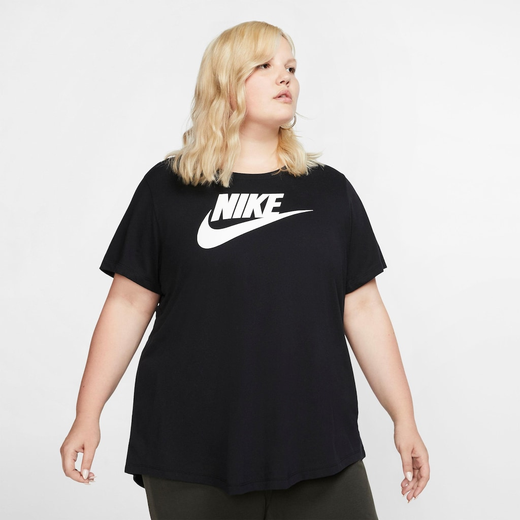 Nike Sportswear T-Shirt »W NSW TEE ESSNTL FUTURA PLUS SIZE«