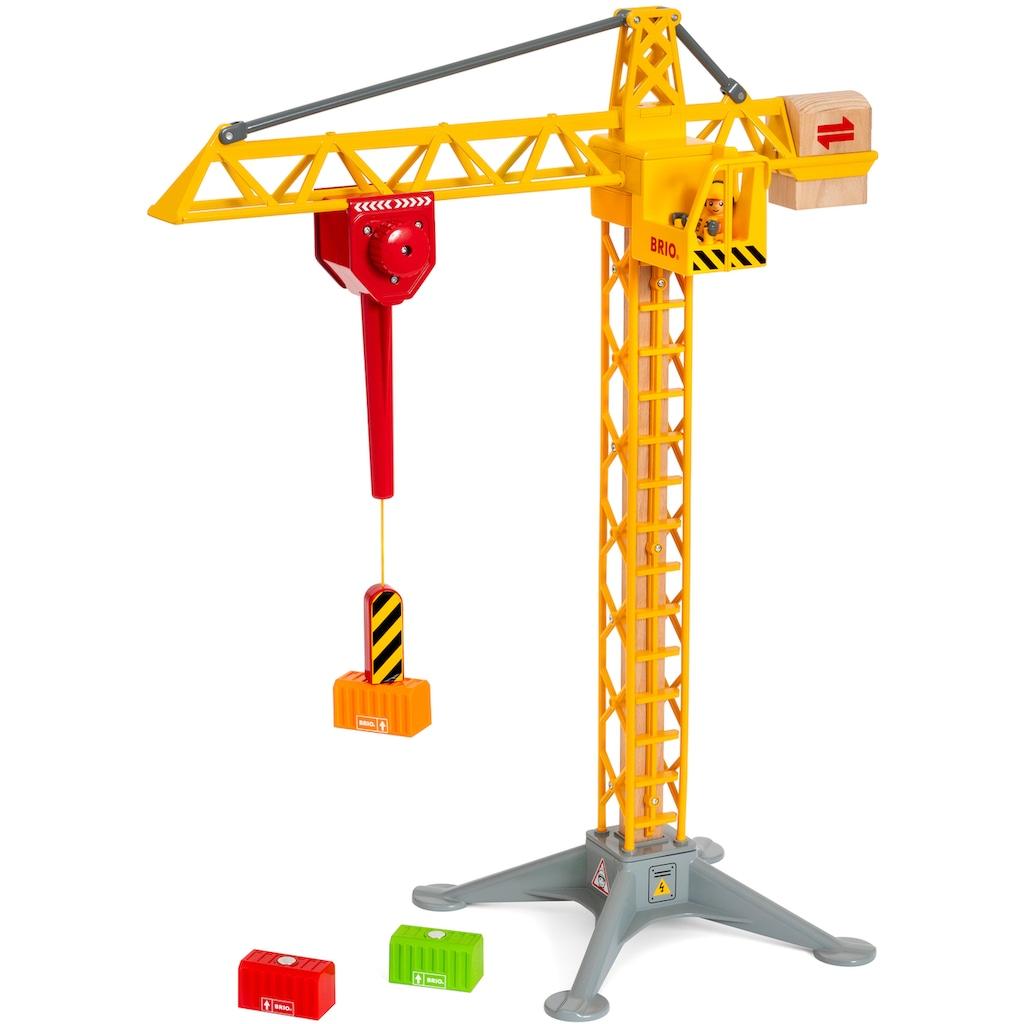 BRIO® Spielzeug-Kran »BRIO® WORLD Großer Baukran mit Licht«, FSC®-Holz aus gewissenhaft bewirtschafteten Wäldern