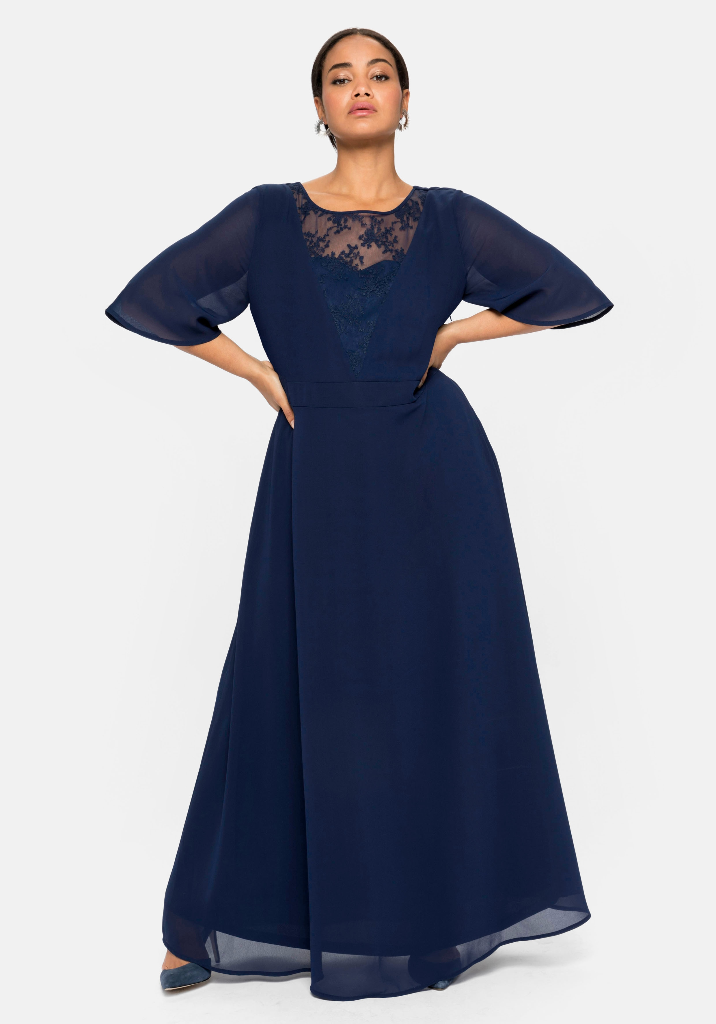 Sheego Abendkleid, aus Chiffon, mit Spitzen-Einsatz blau Damen Abendkleid Abendkleider Kleider