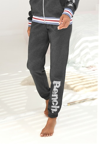 Bench. Sweatpants, mit Logodruck in Metalloptik kaufen