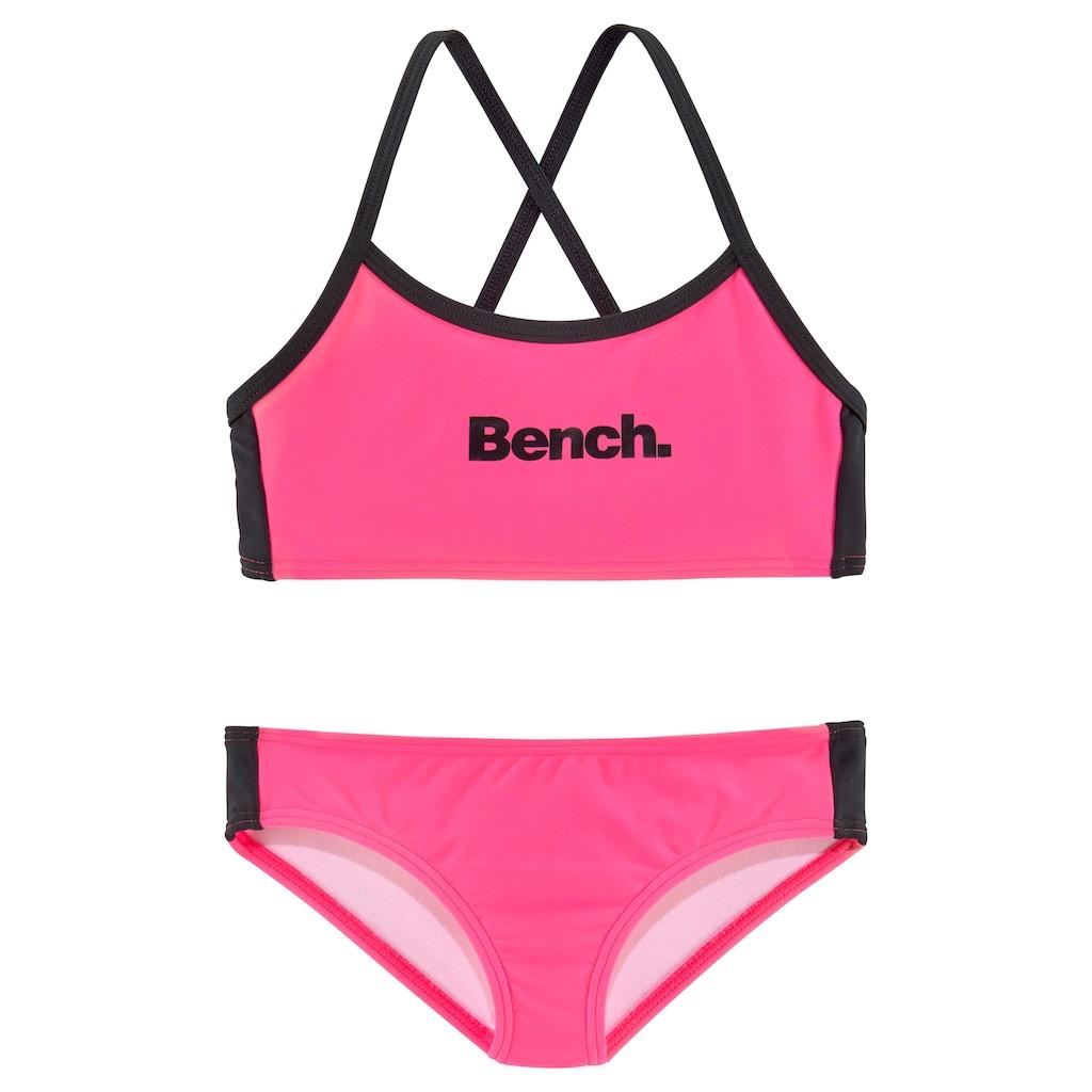 Bench. Bustier-Bikini, mit gekreuzten Trägern