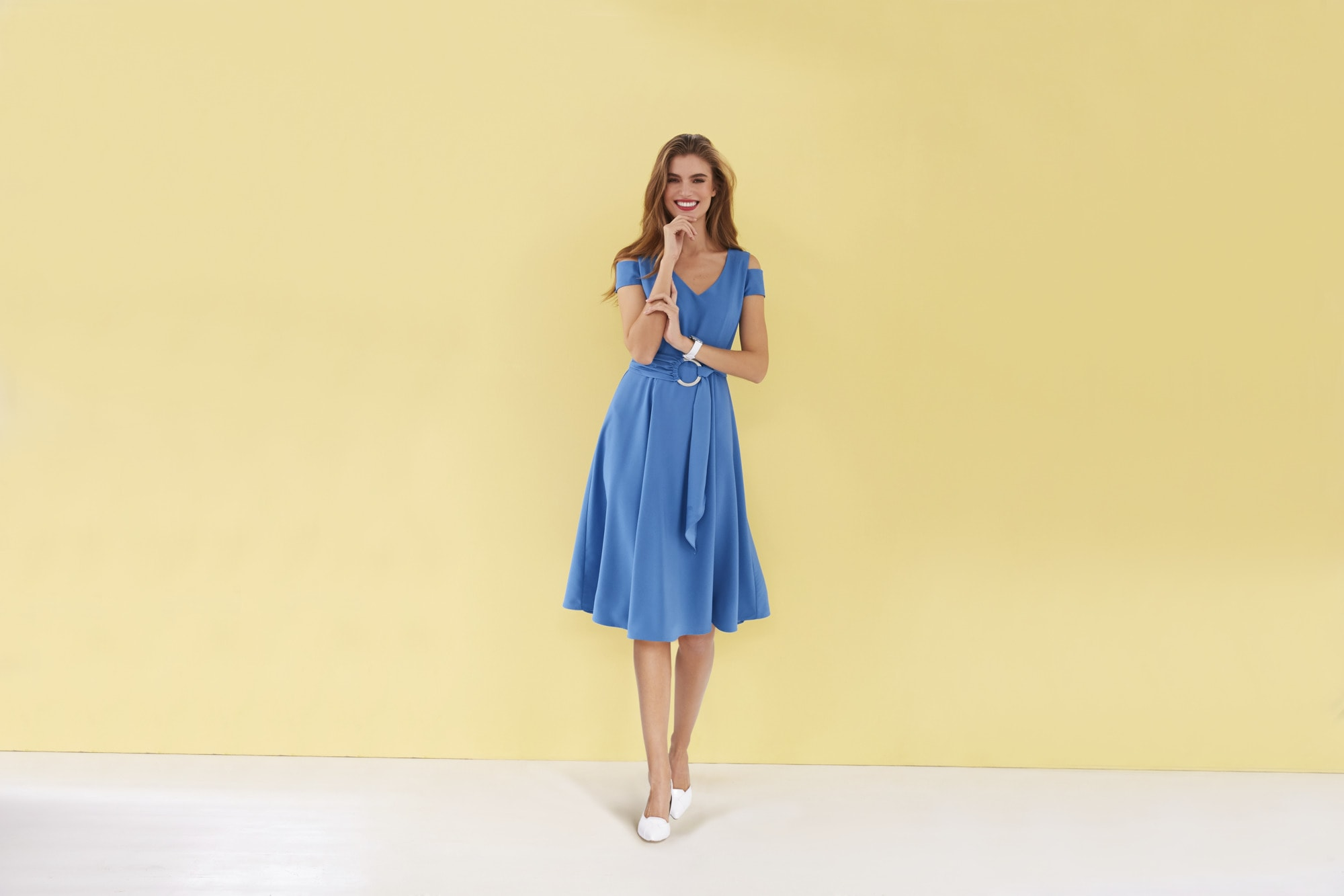 heine TIMELESS Kleid mit Cold Shoulder