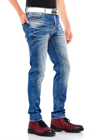 Cipo & Baxx Bequeme Jeans, mit auffälliger Waschung in Straight Fit kaufen