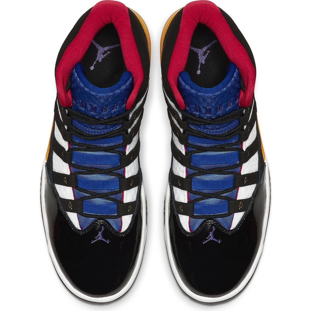 Jordan Sneaker »AIR MAX AURA BTS«