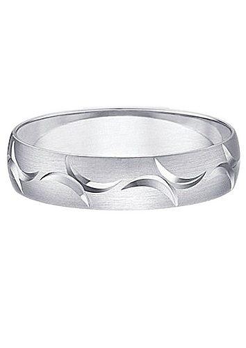 Firetti Trauring mit Gravur Seidenmatt Diamantschnitt | Schmuck > Ringe > Trauringe | Firetti